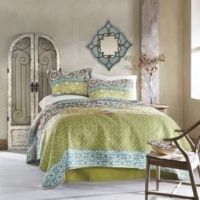Спальная комната в природных оттенках