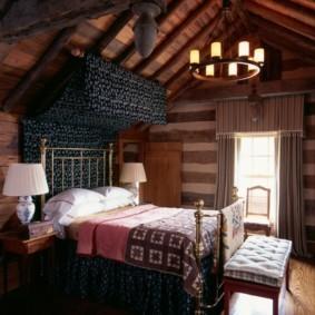 Шторы с ламбрекеном на окне спальни