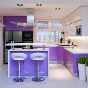 Фиолетовые фасады углового гарнитура