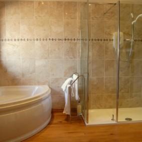 Угловая ванна из белого акрила