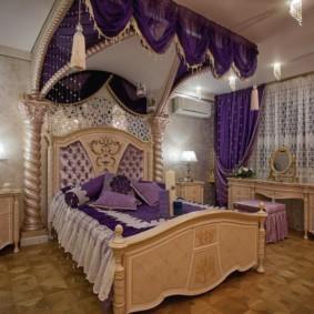 Фиолетовые занавески из плотной ткани