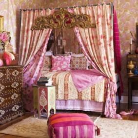 Красивый декор спальни в арабском стиле