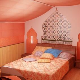 Небольшая спальня в розовых тонах