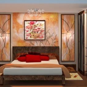 Картина на стене спальной комнаты