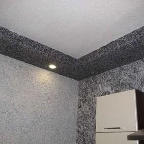 Отделка жидкими обоями двухуровневого потолка