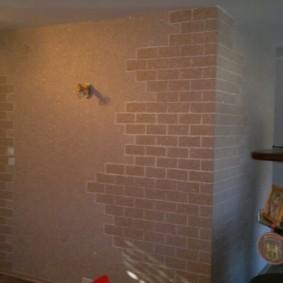 Кирпичная кладка на стене кухни