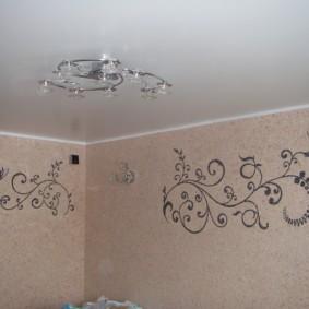 Растительный орнамент на кухонной стене