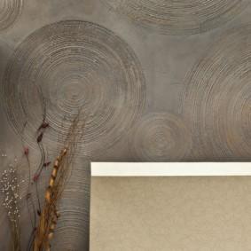 Текстурный рисунок на кухонной стене