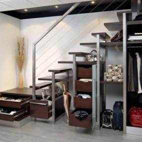 гардеробная под лестницей идеи интерьер