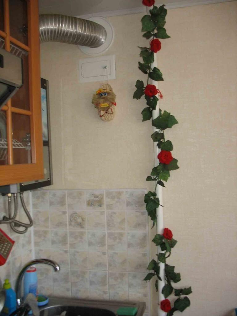 жители предпочитают как украсить трубу на кухне фото тесто