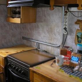 как спрятать газовую трубу на кухне фото дизайна