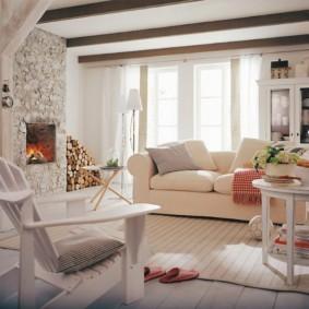 Садовое кресло в гостиной стиля кантри