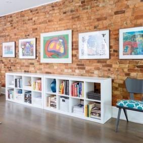 кирпичная стена в гостиной фото идеи