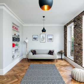 кирпичная стена в гостиной интерьер фото