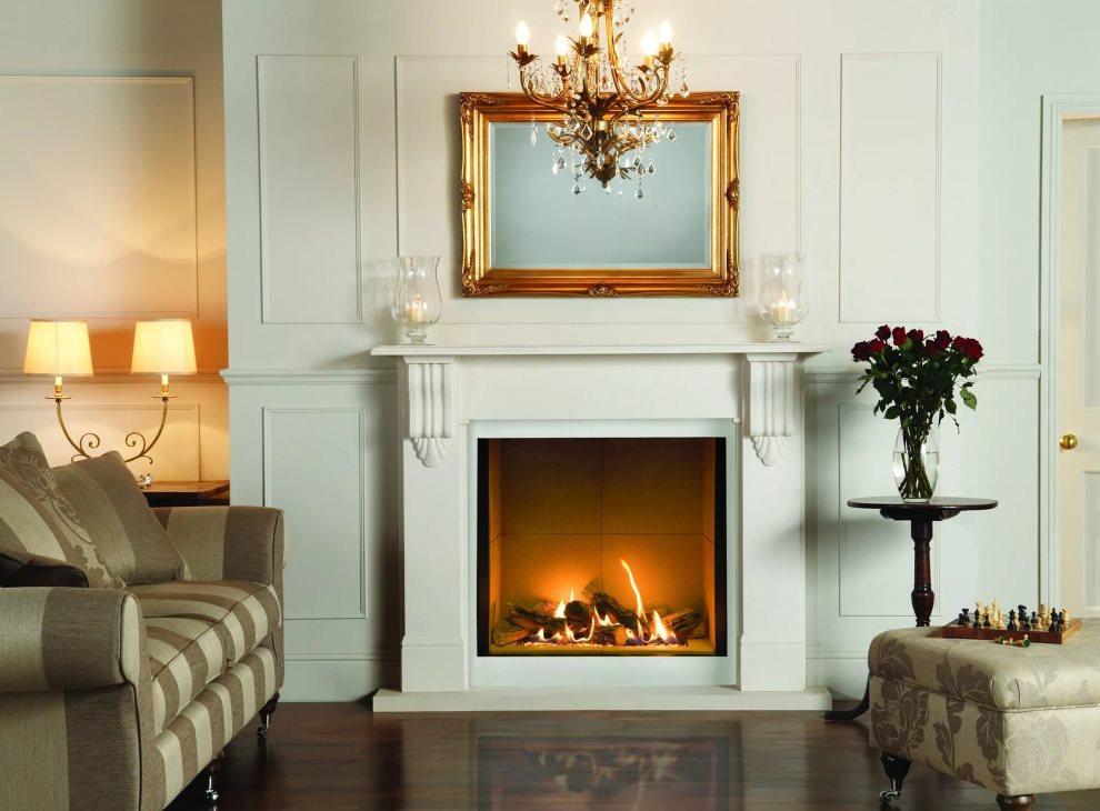 Электрический камин в гостиной классического стиля