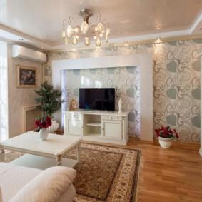 комбинирование обоев в гостиной идеи декор
