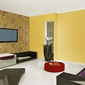 комбинирование обоев в гостиной виды интерьера