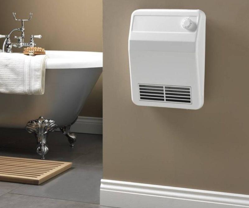 Настенный конвектор в интерьере ванной комнаты