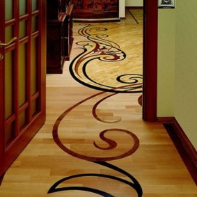 коридор с линолеумом декор фото
