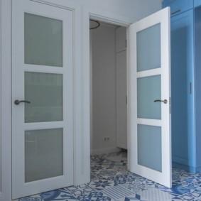коридор с линолеумом идеи декора