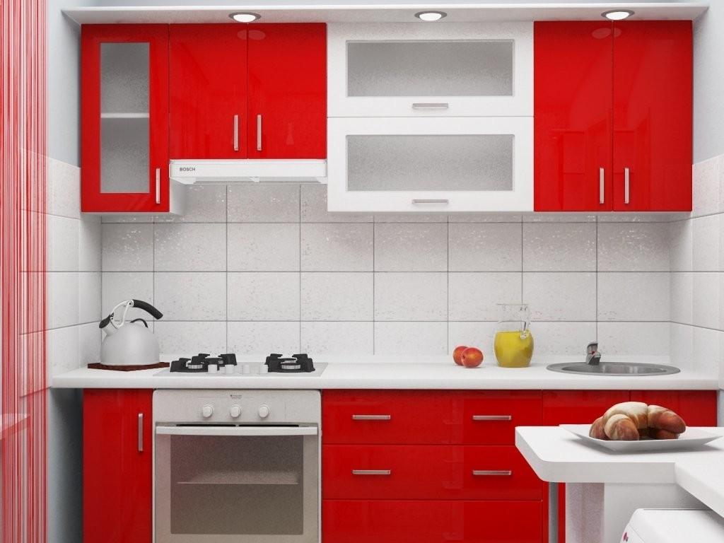 Белый фартук в кухне с красным гарнитуром
