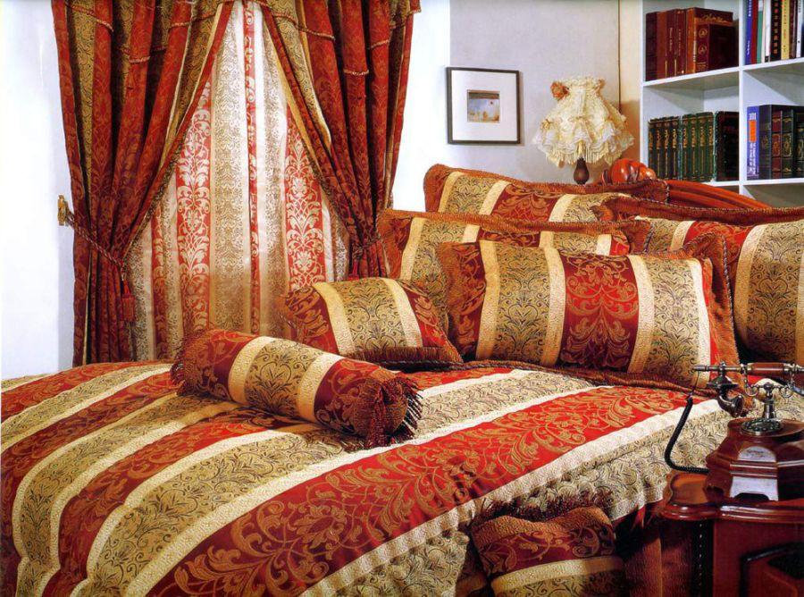 Натуральный текстиль в интерьере арабской спальни