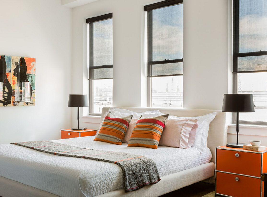кровать изголовьем к окну лофт