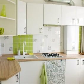 Газовая колонка в интерьере кухни