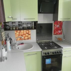 Газовая плита в Г-образной кухне