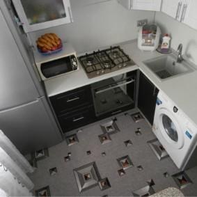 Линолеум с рисунком на кухонном полу