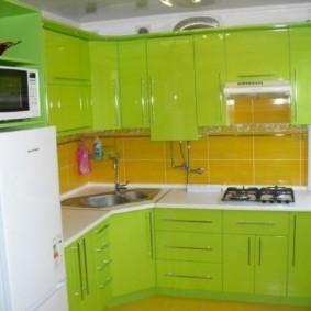 Зеленый гарнитур в современном стиле
