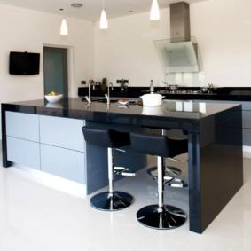кухня без верхних шкафов фото декора