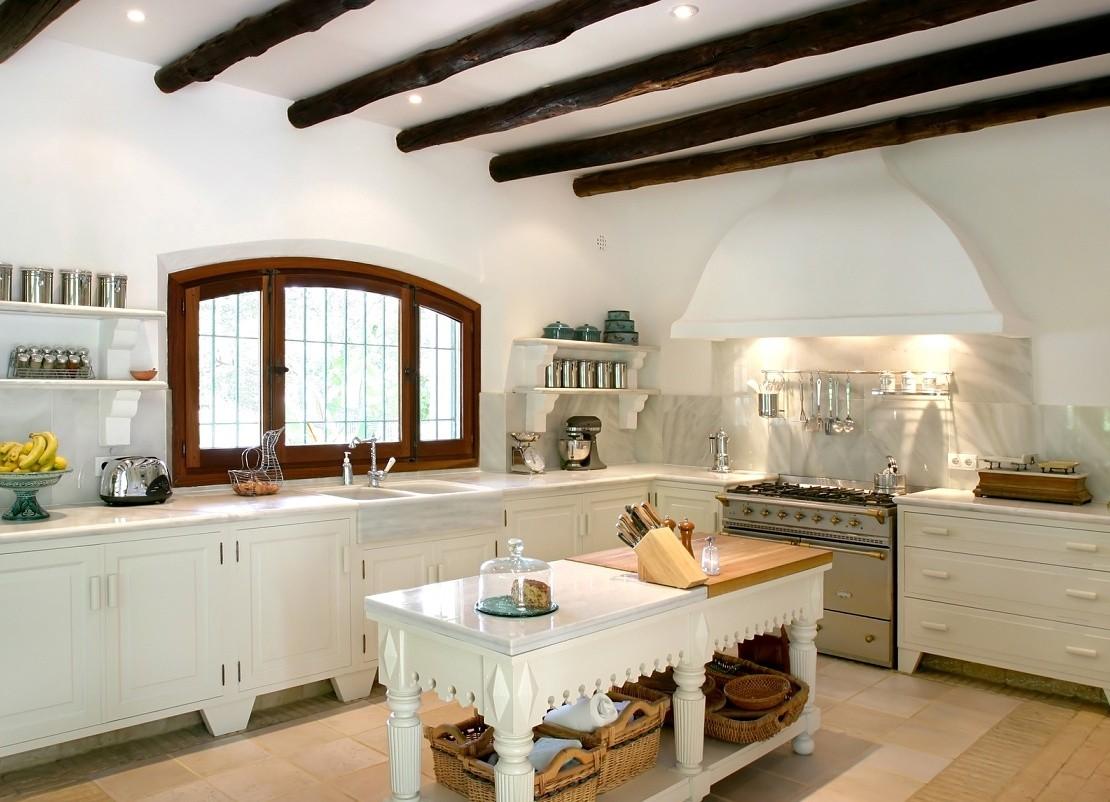кухня без верхних шкафов прованс