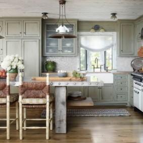 кухня до потолка декор фото