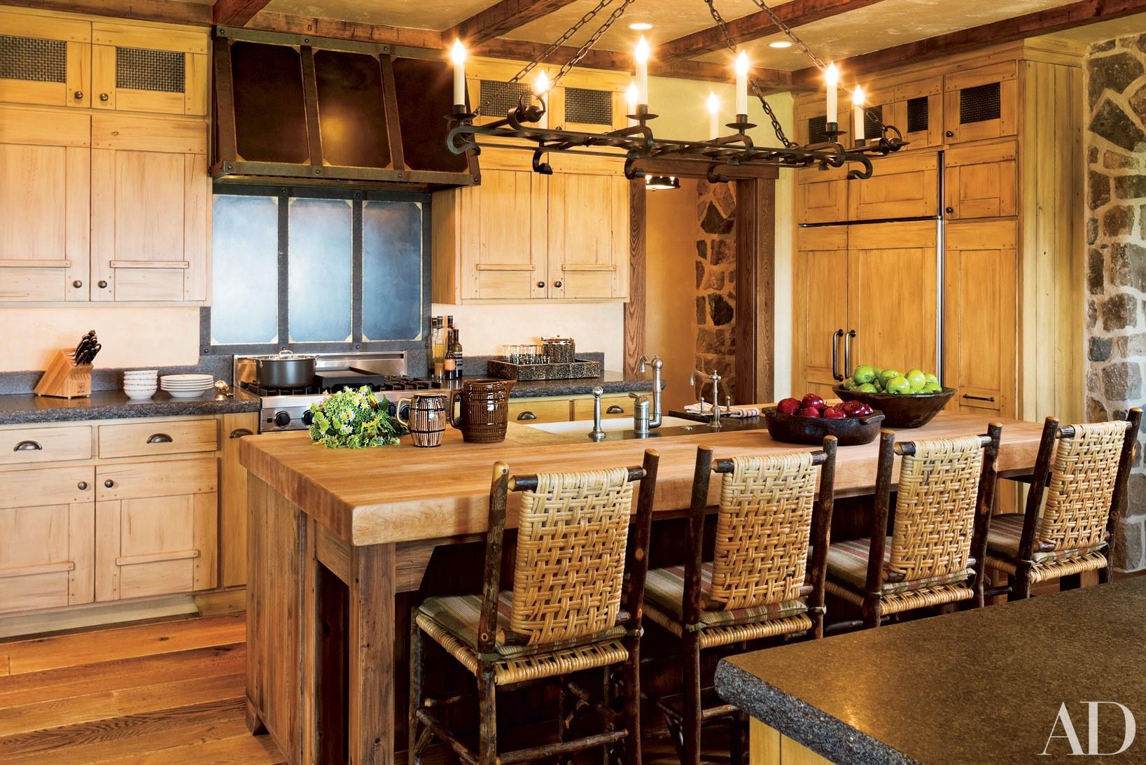 кухня до потолка в интерьере кухни