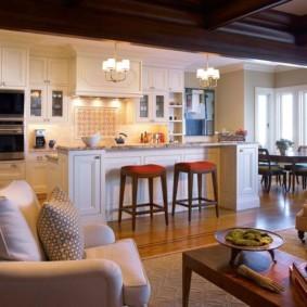 Освещение кухонной зоны в частном доме