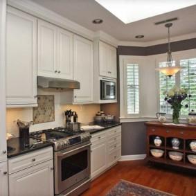 кухня с эркером фото интерьера