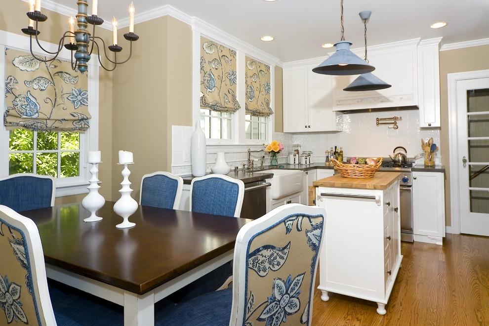 Красивая кухня-столовая в стиле кантри