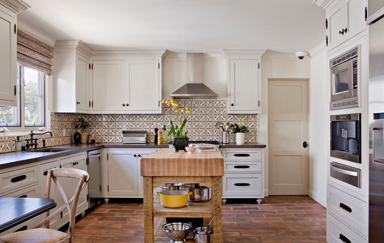 кухня в средиземноморском стиле фото интерьера
