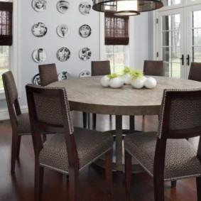 кухня с круглым столом декор
