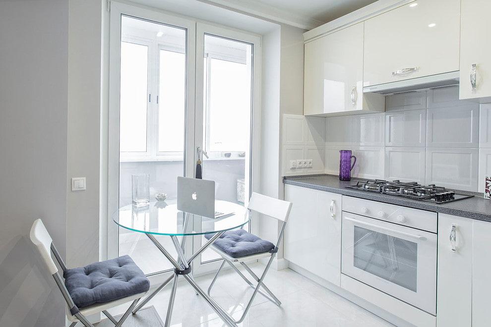 кухня с круглым столом фото виды