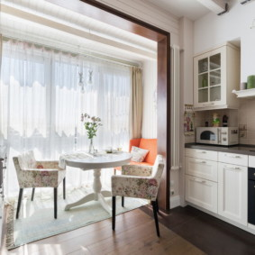 кухня с круглым столом оформление фото