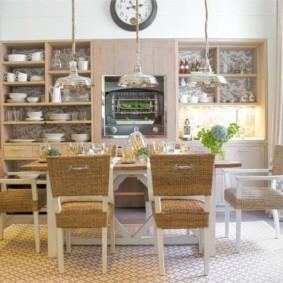 кухня в средиземноморском стиле с мебелью