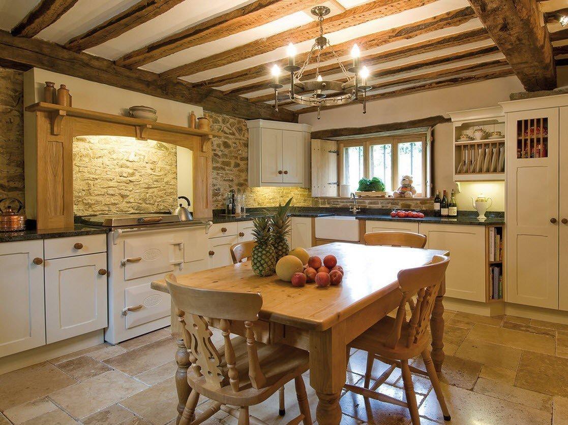 кухня в загородном доме интерьер фото