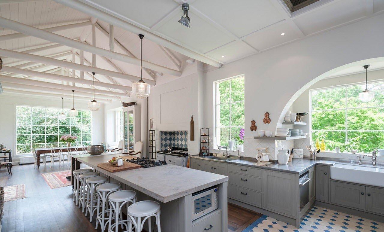 кухня в загородном доме варианты