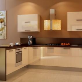 кухонный гарнитур в цвете ваниль и крем-брюле фото интерьера