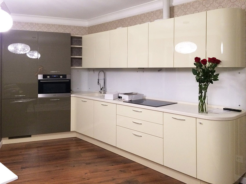 кухонный гарнитур в цвете ваниль и крем-брюле идеи интерьер