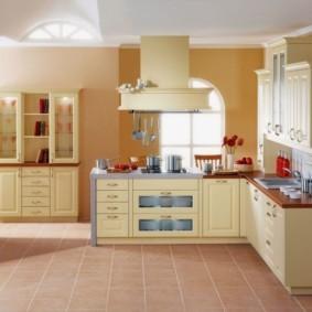 кухонный гарнитур в цвете ваниль и крем-брюле виды дизайна