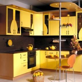 кухонный гарнитур с барной стойкой оформление фото
