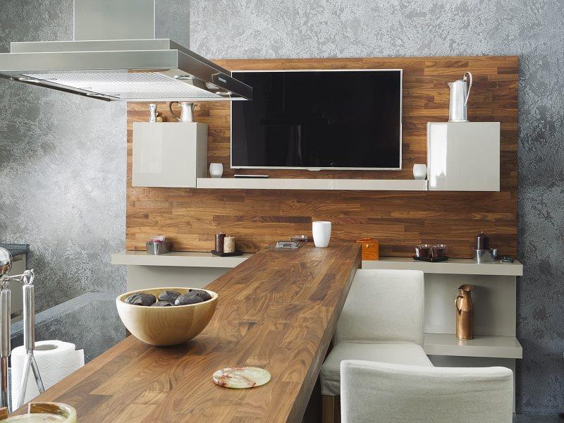 Телевизор в интерьере современной кухни